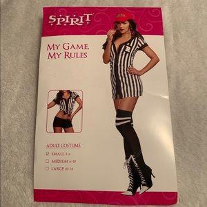 Women's adult referee costume!🖤🤍🖤